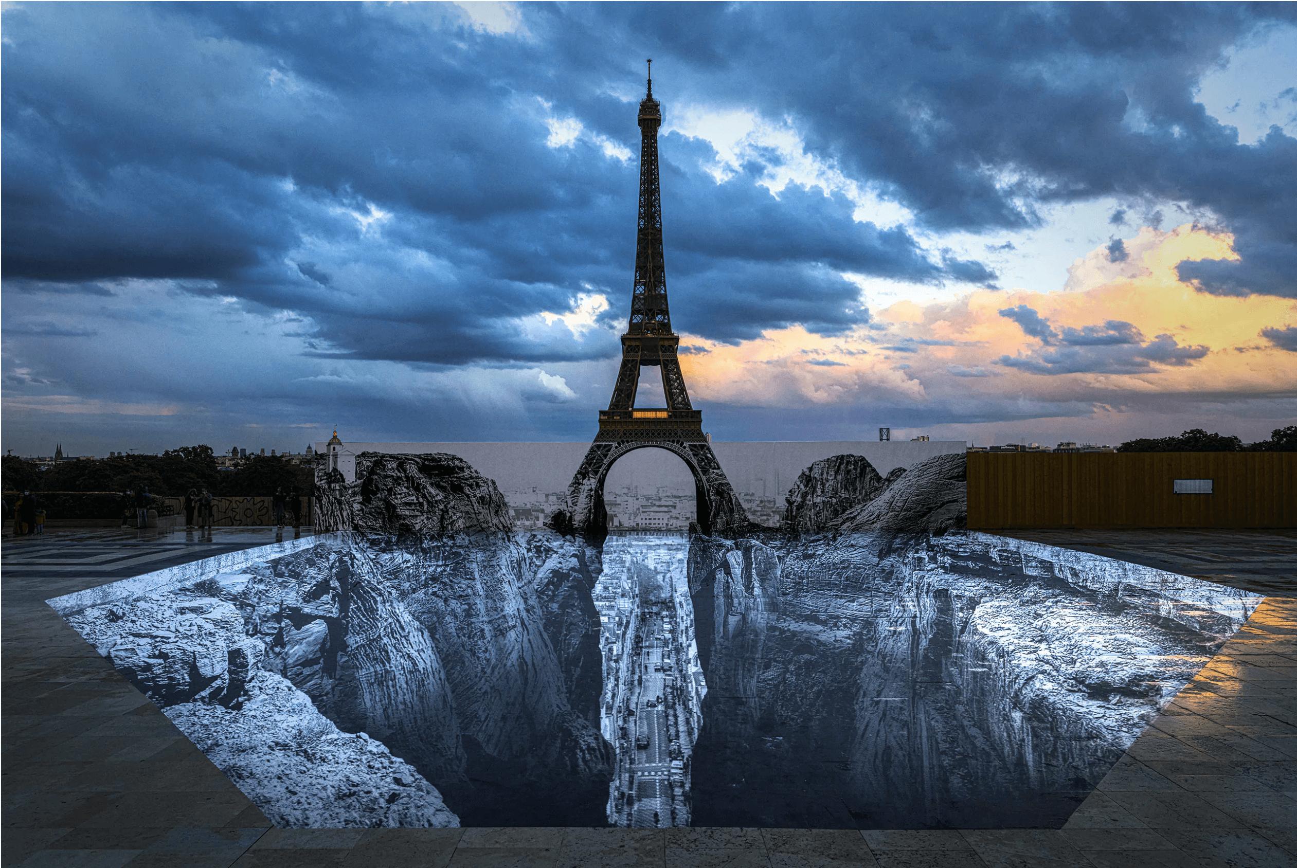 trompe l'oeil de l'artiste JR à la tour Eiffel