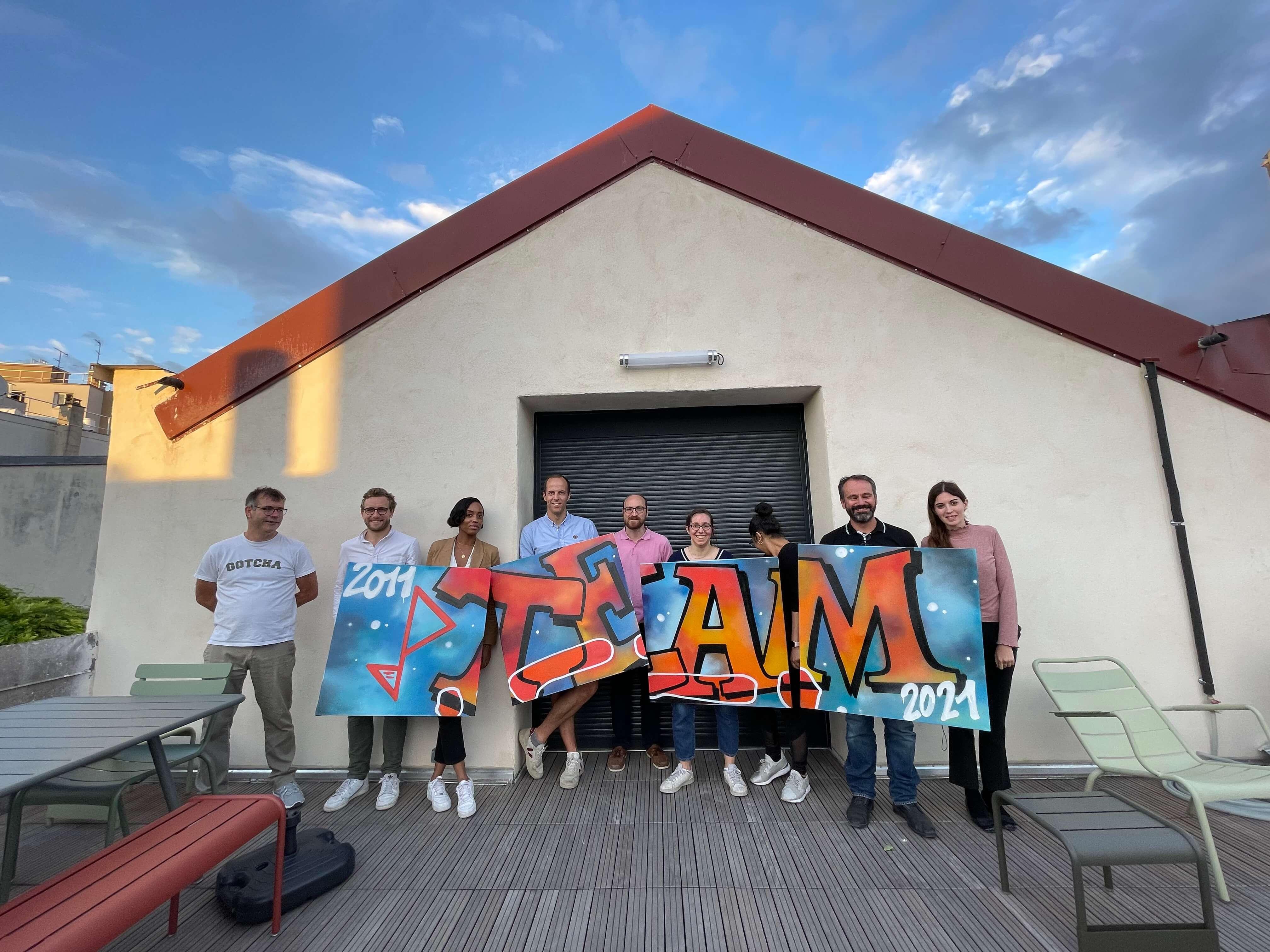 atelier graffiti à Paris avec des employés d'une entreprise
