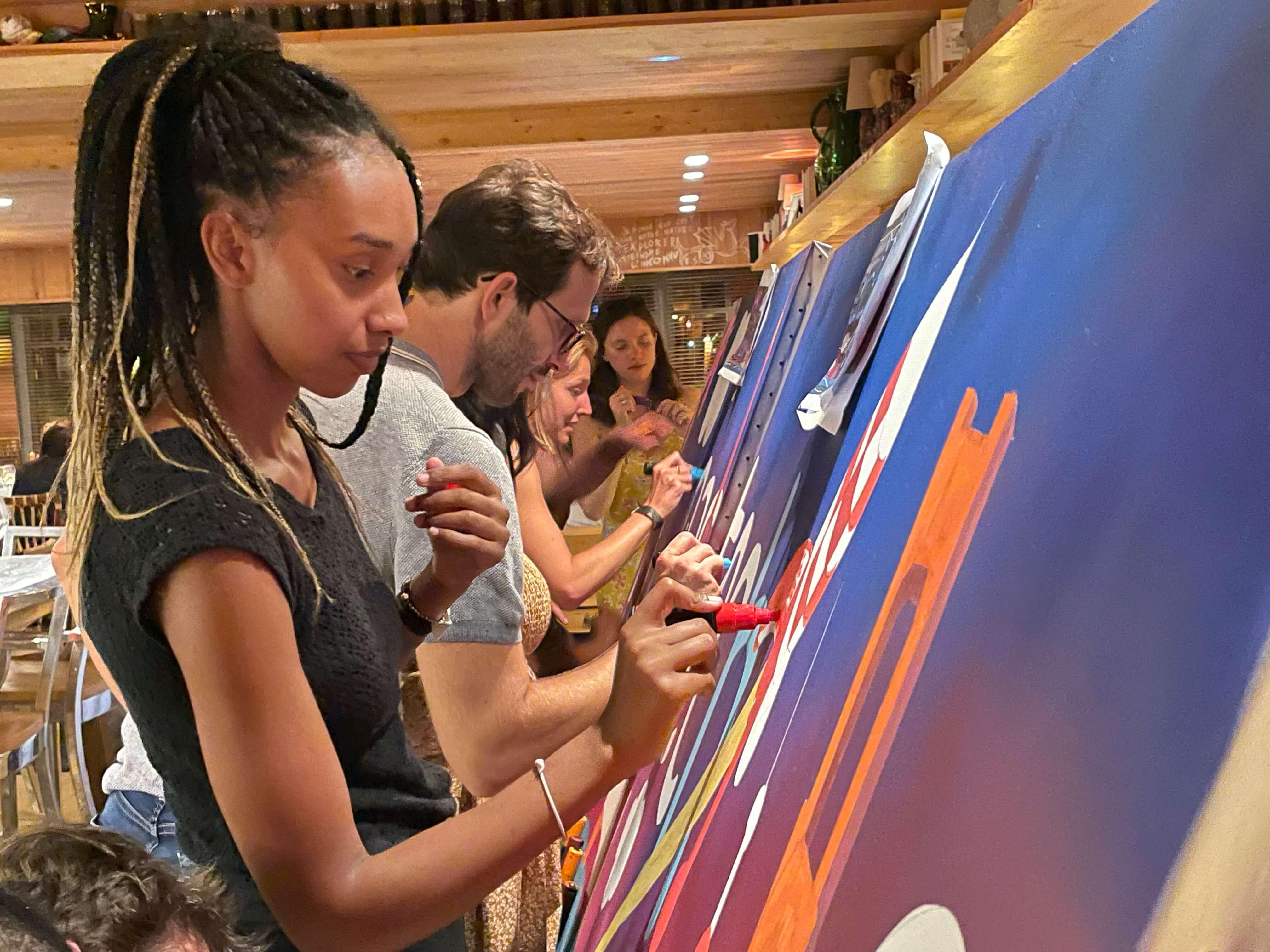 Fresque Participative et collaborative au posca à Paris avec des street artistes