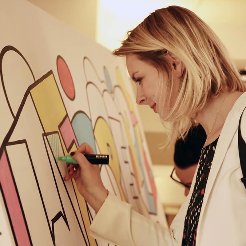 Animation oeuvre participative sur toile à Paris