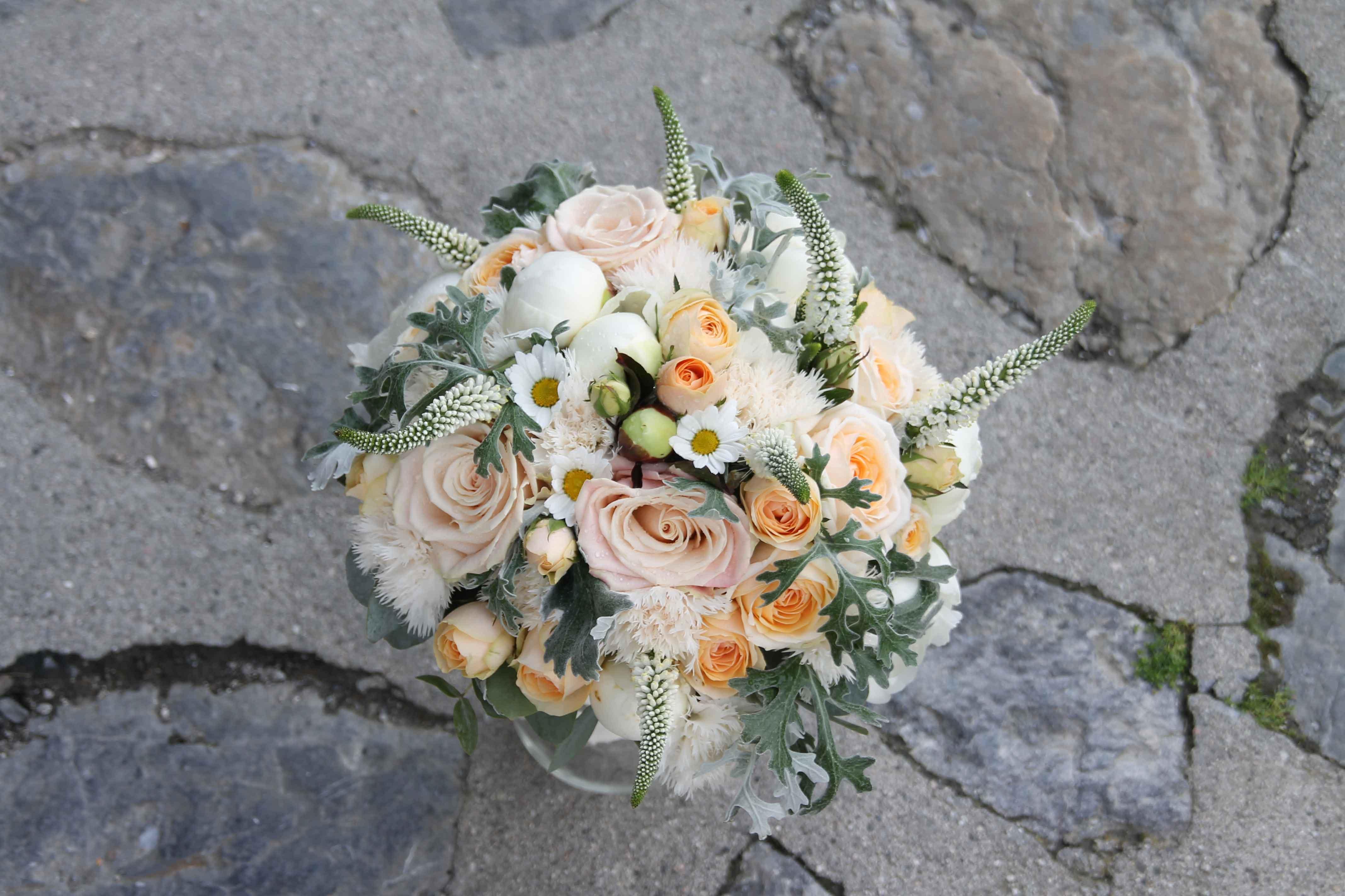 Kaspara, Bryllup, brudebukett, knappehullsblomst, bryllupsplanlegger i Oslo og Akershus