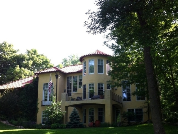 Residential windows that are brilliantly clean in Edina Minnesota.
