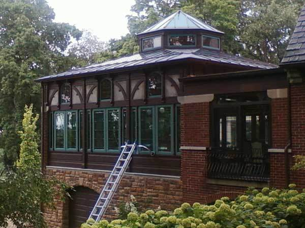 A beautiful home in London Ohio is about to have the solarium windows cleaned.