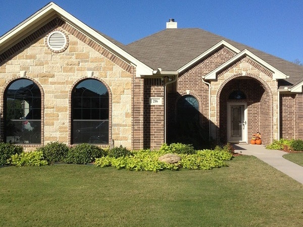 Residential windows perfectly cleaned in Parker County Texas.