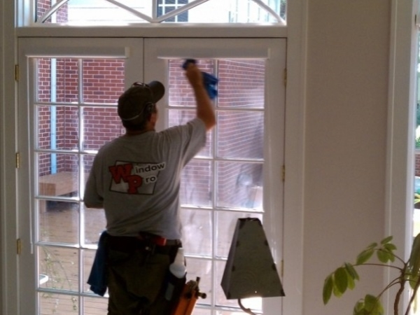 Meticulous window cleaning done at a residential window cleaning job in Omaha Nebraska.