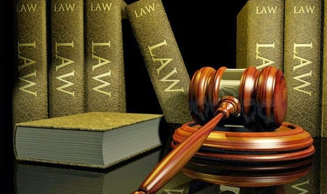 Legal books and Judge hammer