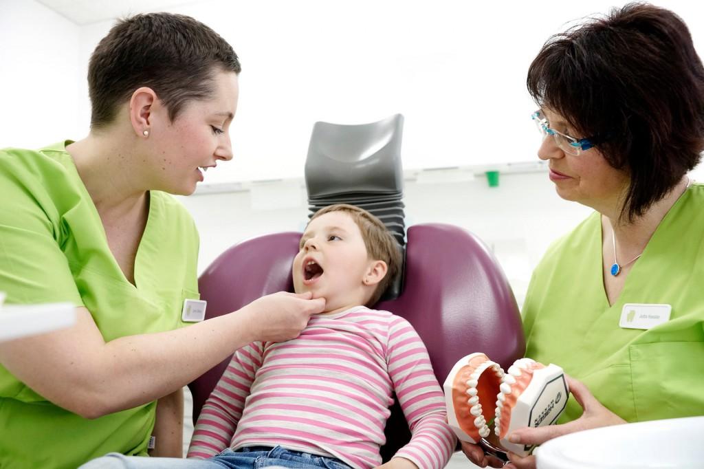 Zahnärztin Jenny Stange