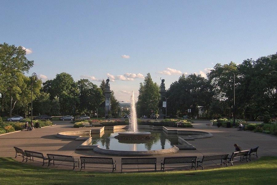 Highland Park fountain