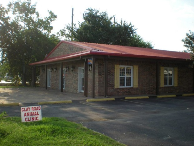 The front of Clay Road Animal Clinic