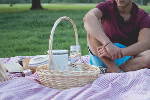 Eating lunch outdoors is a great way for employees to mingle while getting some sun & fresh air.