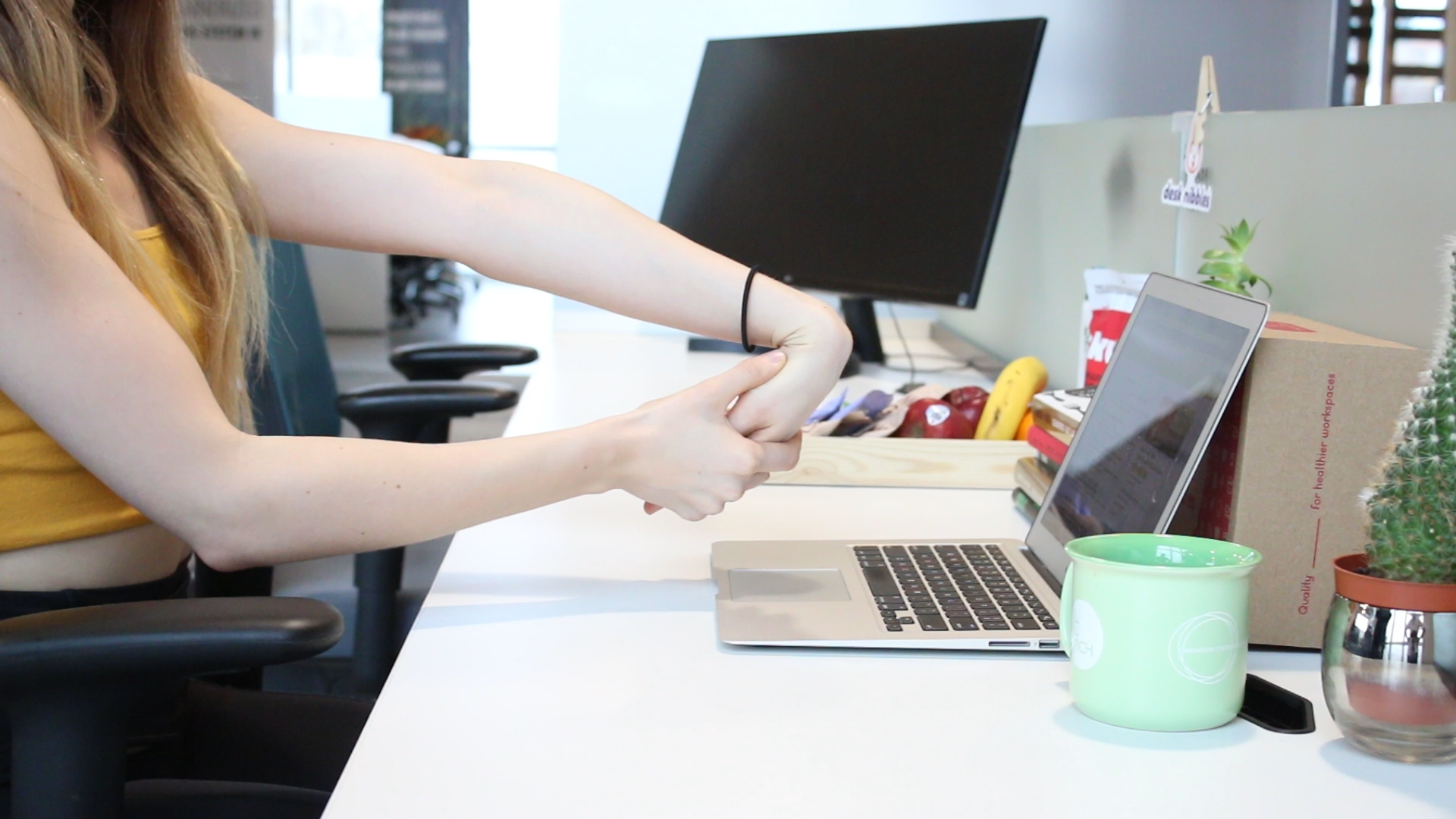 Reduce your risk of carpal tunnel with this wrist stretch