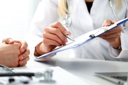 Wer hilft mir beim Schreiben einer Patientenverfügung?