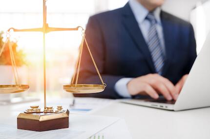 Vorsorgevollmacht - Beauftragung von Rechtsanwälten und Vertretung von Gerichten