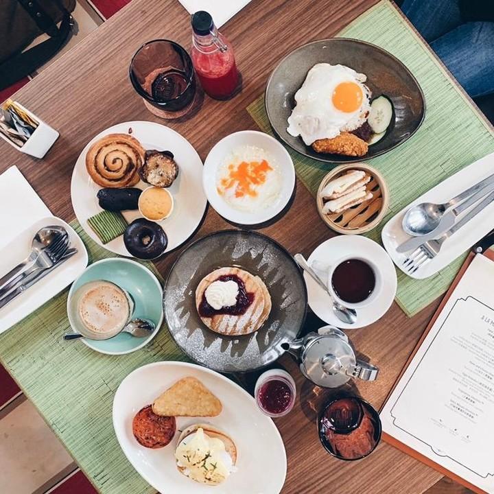 breakfast baba chews katong buffet