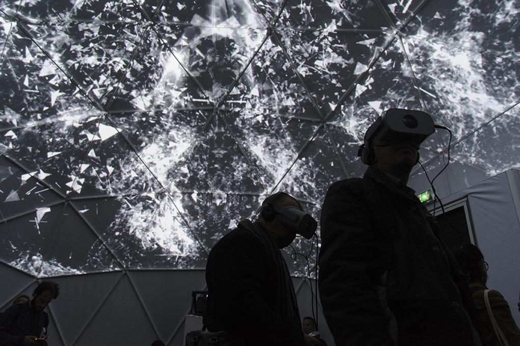 Réalité virtuelle et vidéo projection dans un dôme