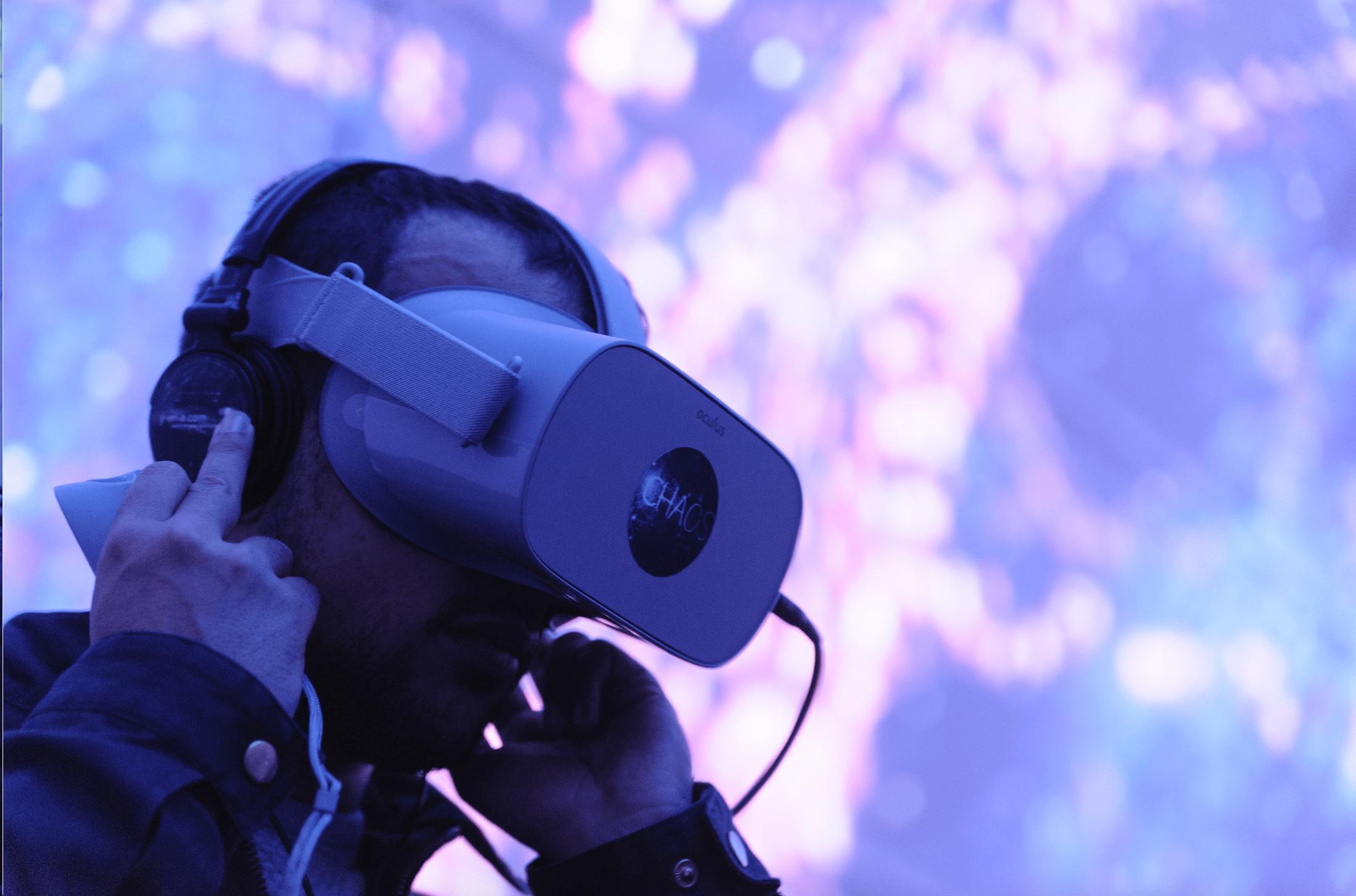 expérience immersive dans un dôme géodésique de 100 m2