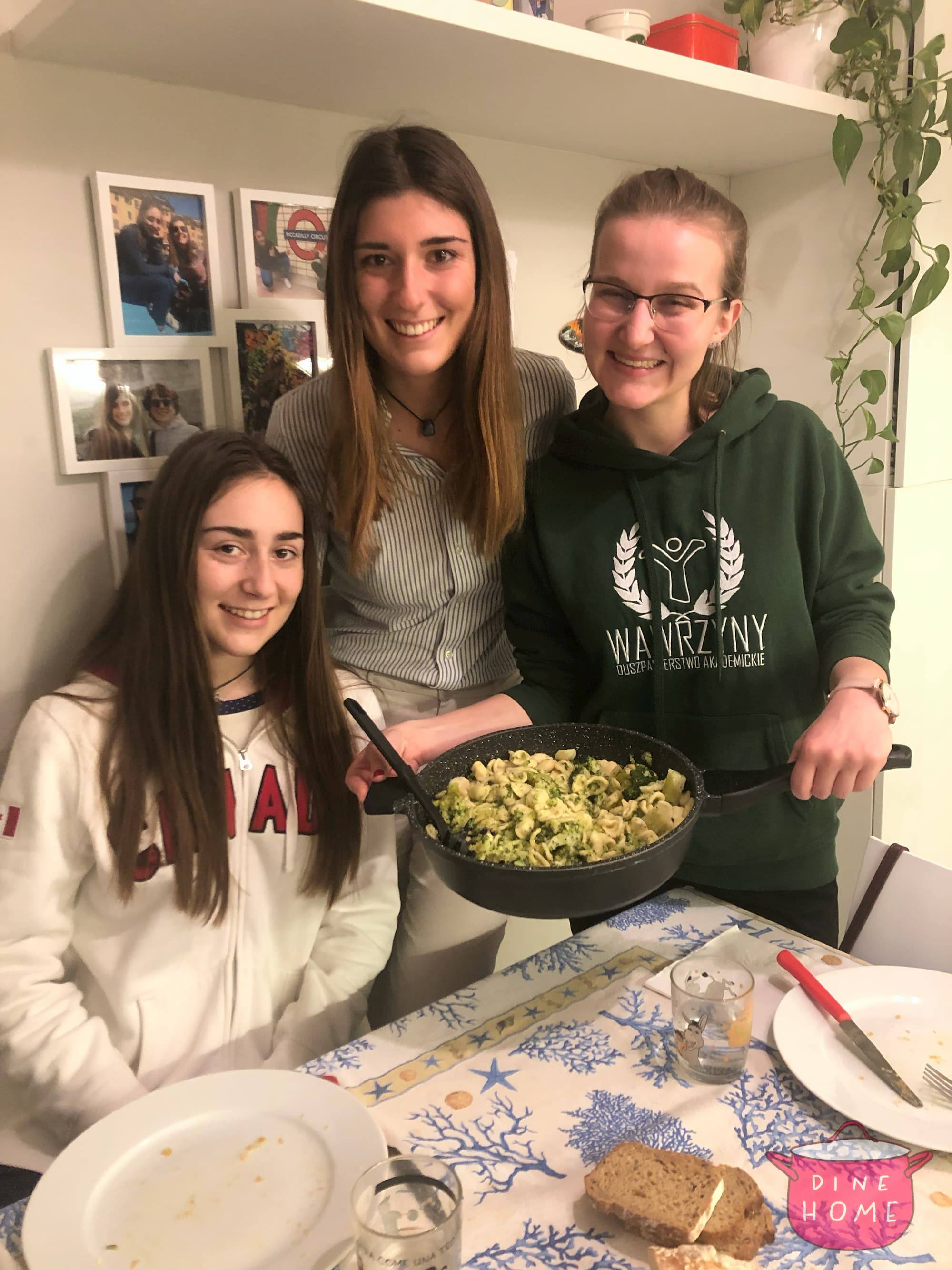 Katarzyna, Polish student, having dinner with her Dinehome family.