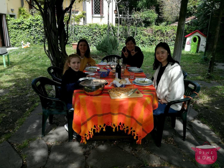 Gioia, studentessa dalla Sud Korea, a cena dalla sua famiglia Dinehome.