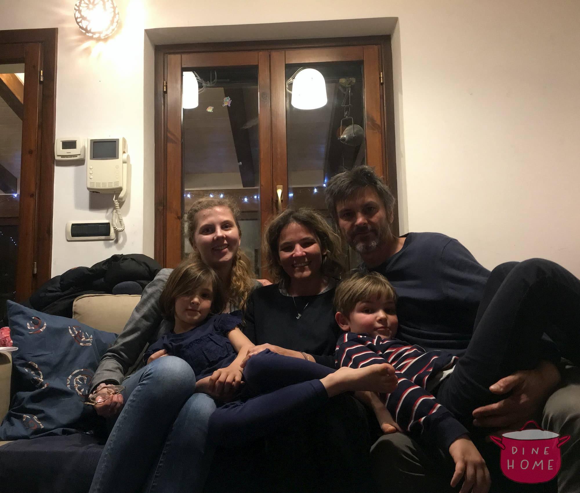 Michalina, studentessa dalla Polonia, a cena dalla sua famiglia Dinehome.