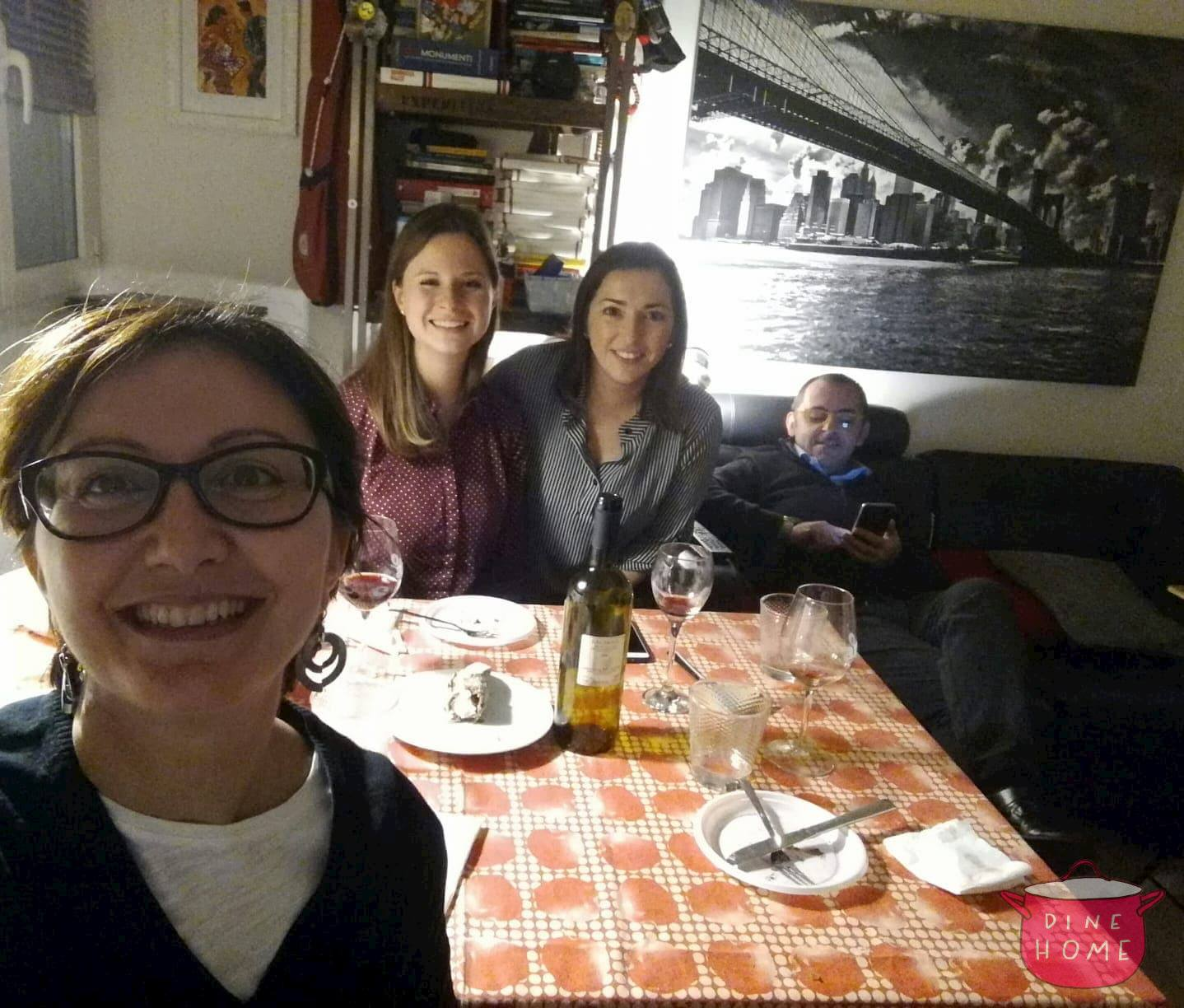 Annalena, German student, having dinner with her Dinehome family.