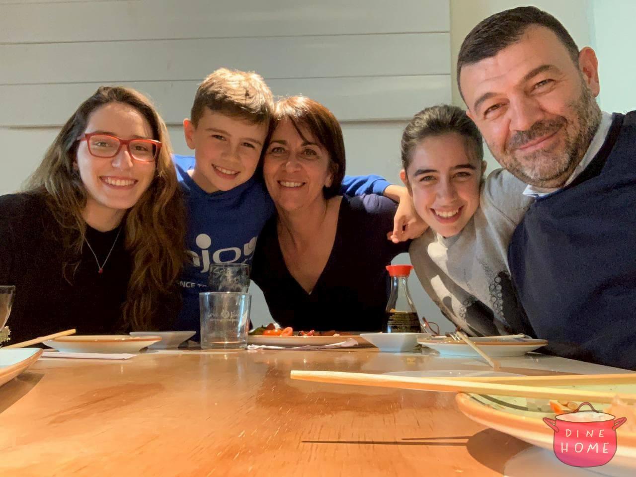Michelle, studentessa brasiliana, a cena dalla sua famiglia Dinehome.