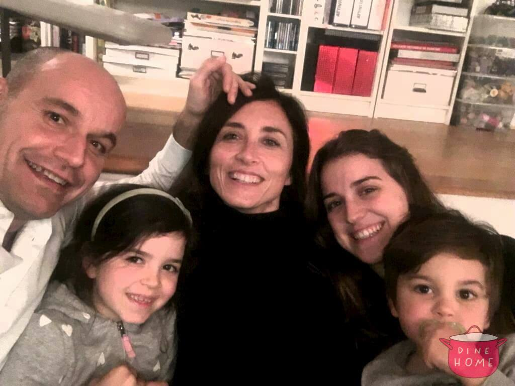 Aroa, student from Spain, having dinner with her Dinehome family.