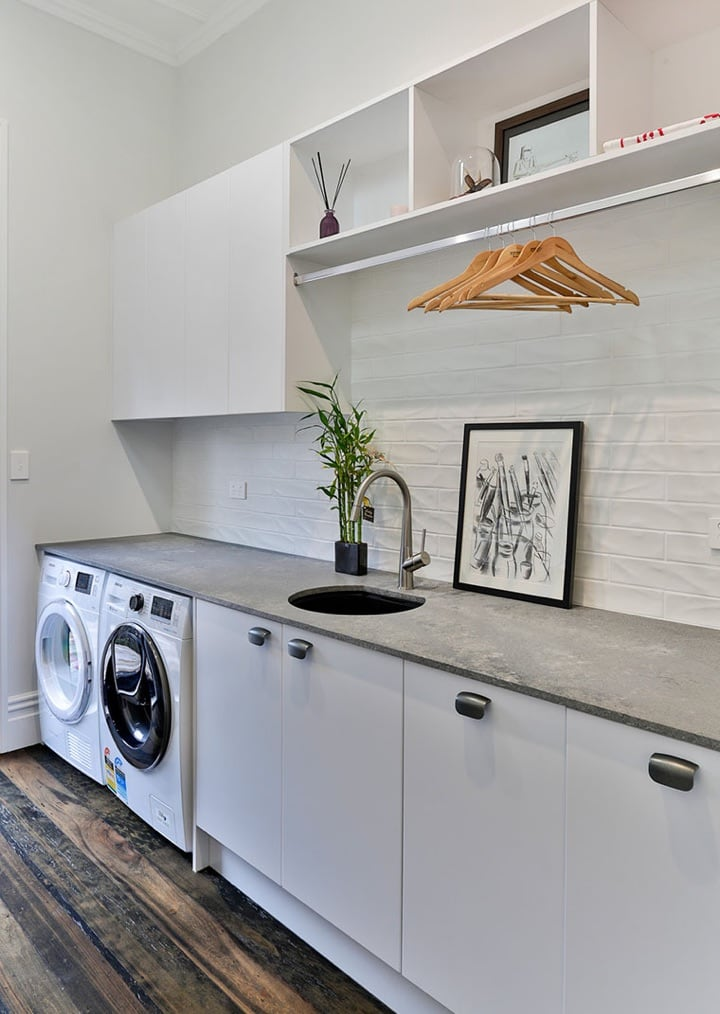 White and gray laundry