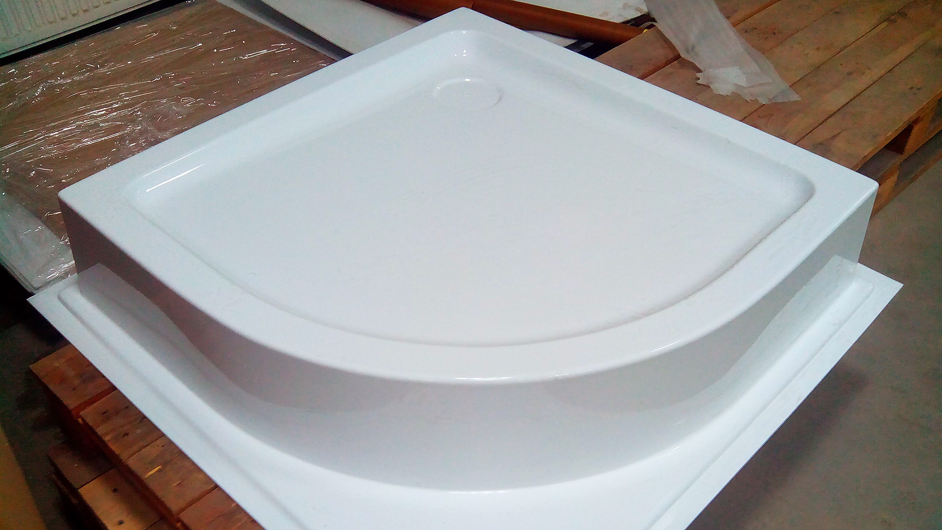 Vacuum forming shower tray