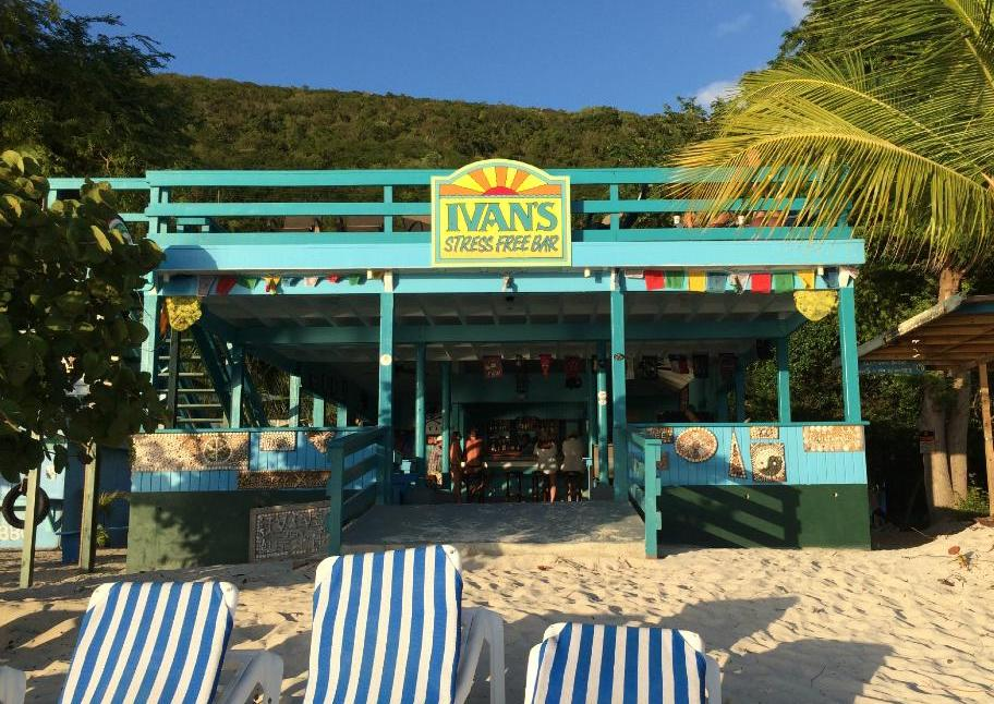 White Bay Villas Ivan's Stress Free Bar