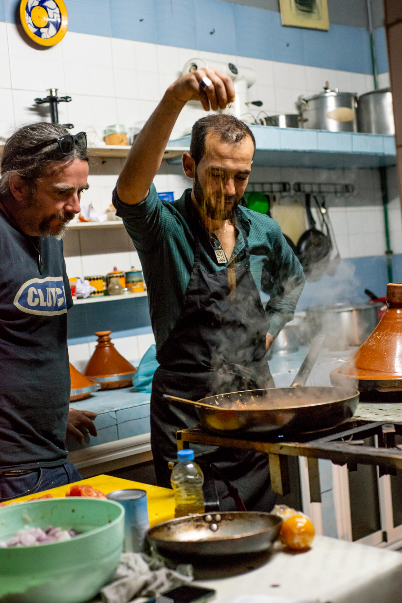 Moroccan dish with thajine. Cooking lessons in Morocco. Ellis and Me.