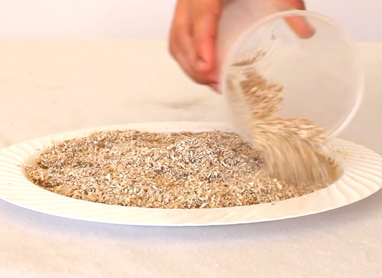 Video comparing Kengro Biosorb Granular oil absorbent with Sphagsorb, Oil Gator and Clean B