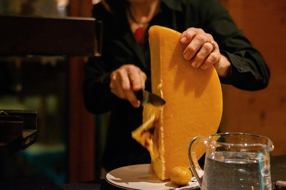 dü Saas Fee Käse am Stück, Raclette