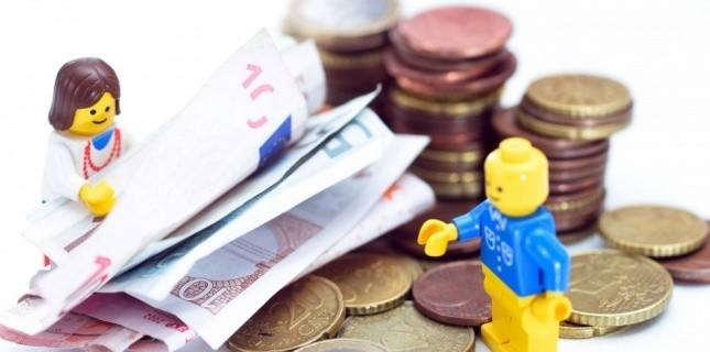 Lego playing with money