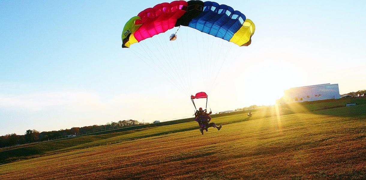 Paris Blois Parachutisme embarquement saut en parachute atterissage