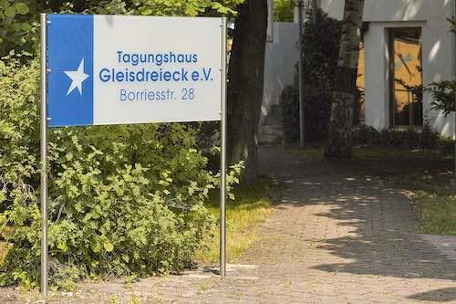 Eingangsschild Tagungshaus Gleisdreieck Hannover