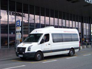 Letiště_Ruzyně,_minibus_CEDAZ