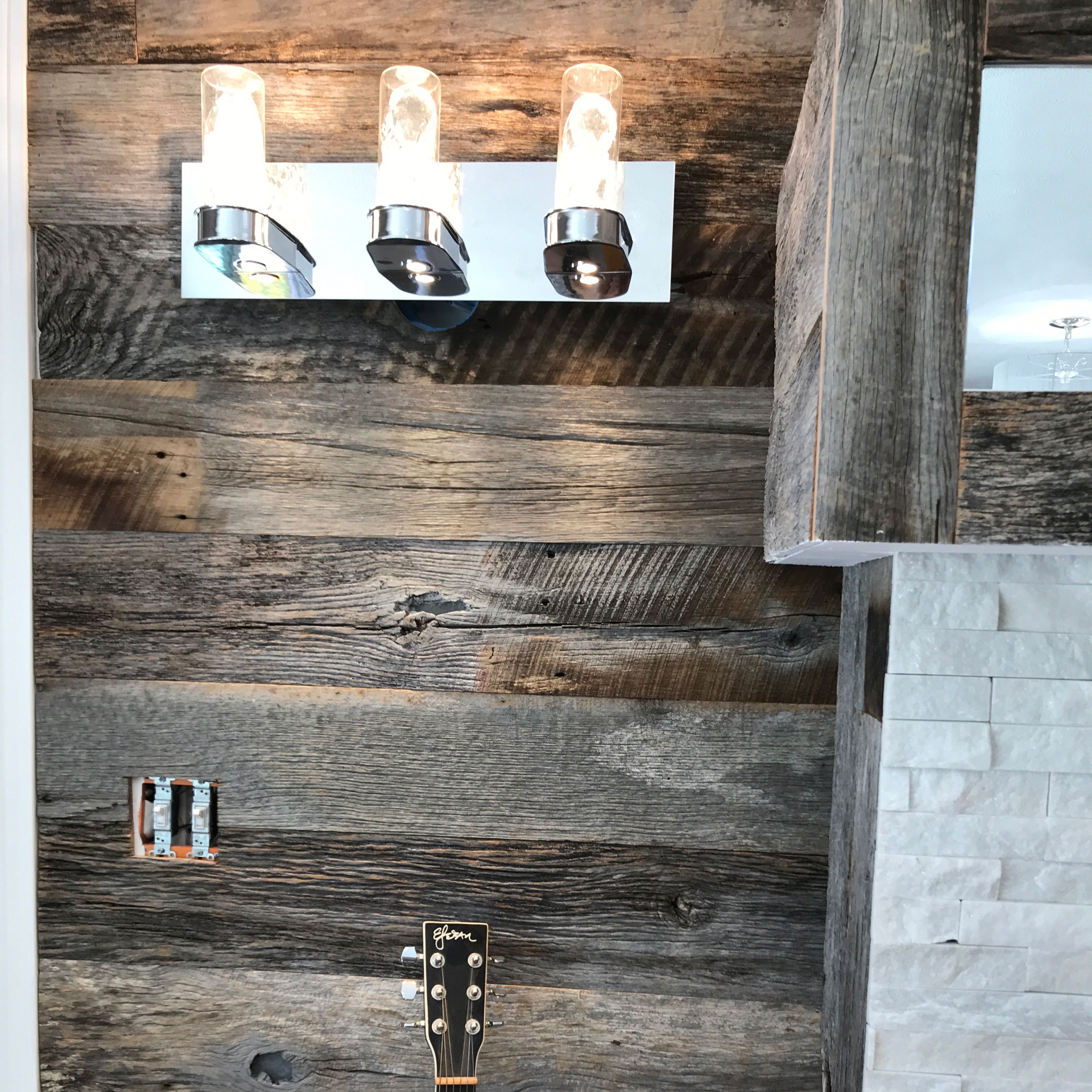 Greenery On Wood Accent Wall: Beautiful Barn Wood Accent Wall And Mantle