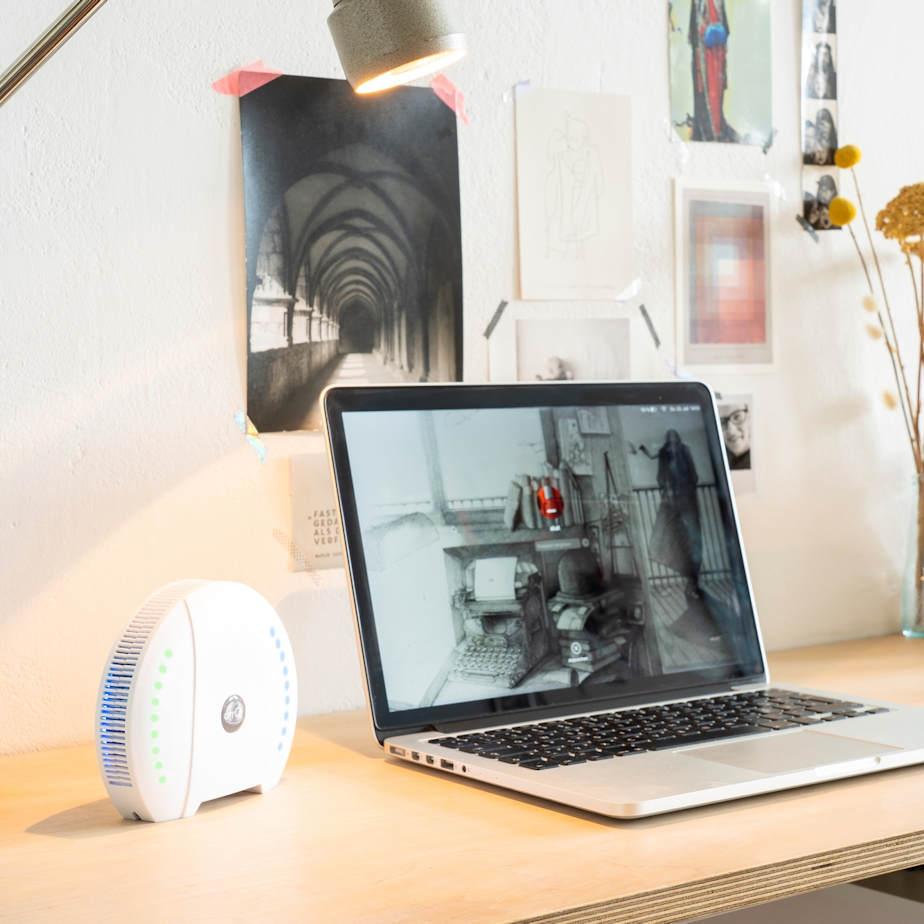 air-Q Luftqualität Messgerät im Büro