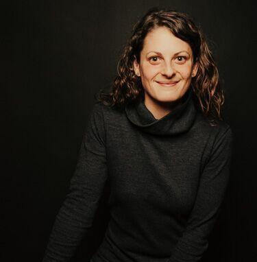 Kelly Sherstobitoff Portrait