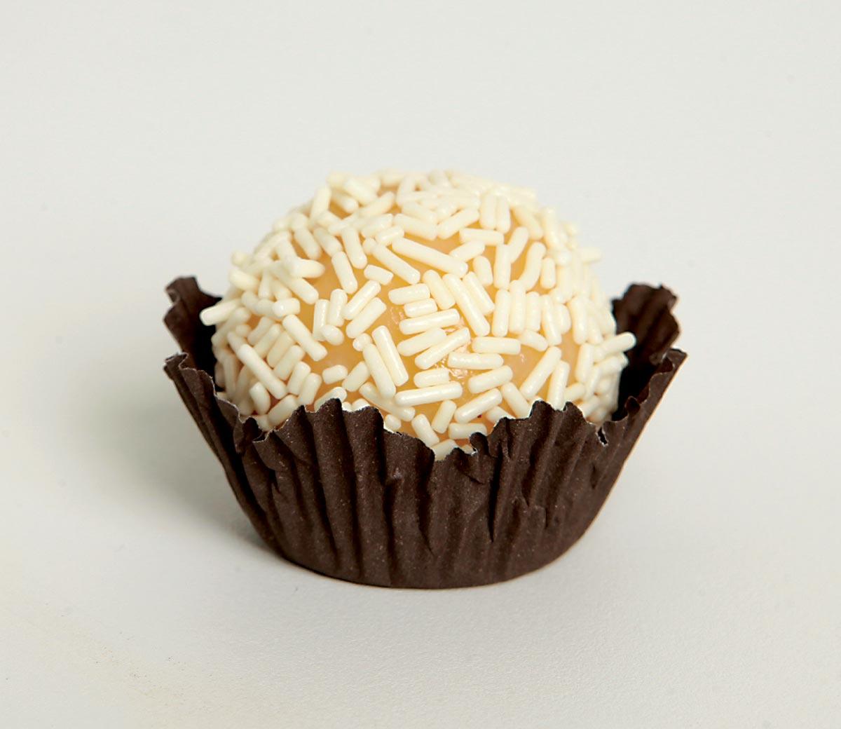 foto de brigadeiro de chocolate branco