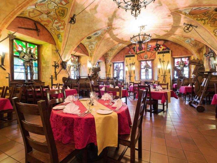 restaurace - Hotel Kampa Stará Zbrojnice ****