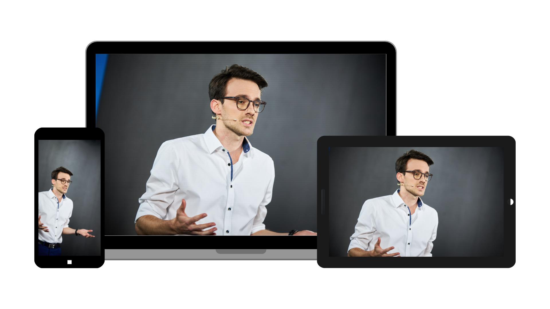 Ein Computer, Ipad und Smartphone mit Maximilian Delkeskamp auf dem Bildschirm