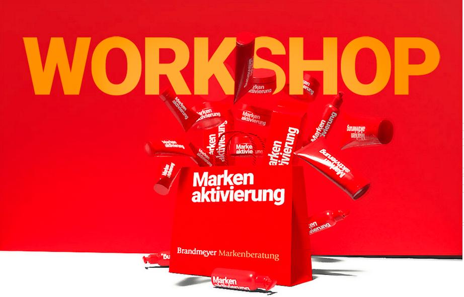 """Schriftzug """"Workshop Markenaktivierung"""" Grafik einer Einkaufstasche, aus der eine Vielzahl verschiedener Produkte herausschießt."""