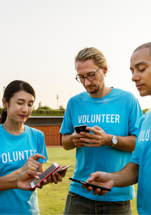 Volunteers use outcomes data on mobile phones