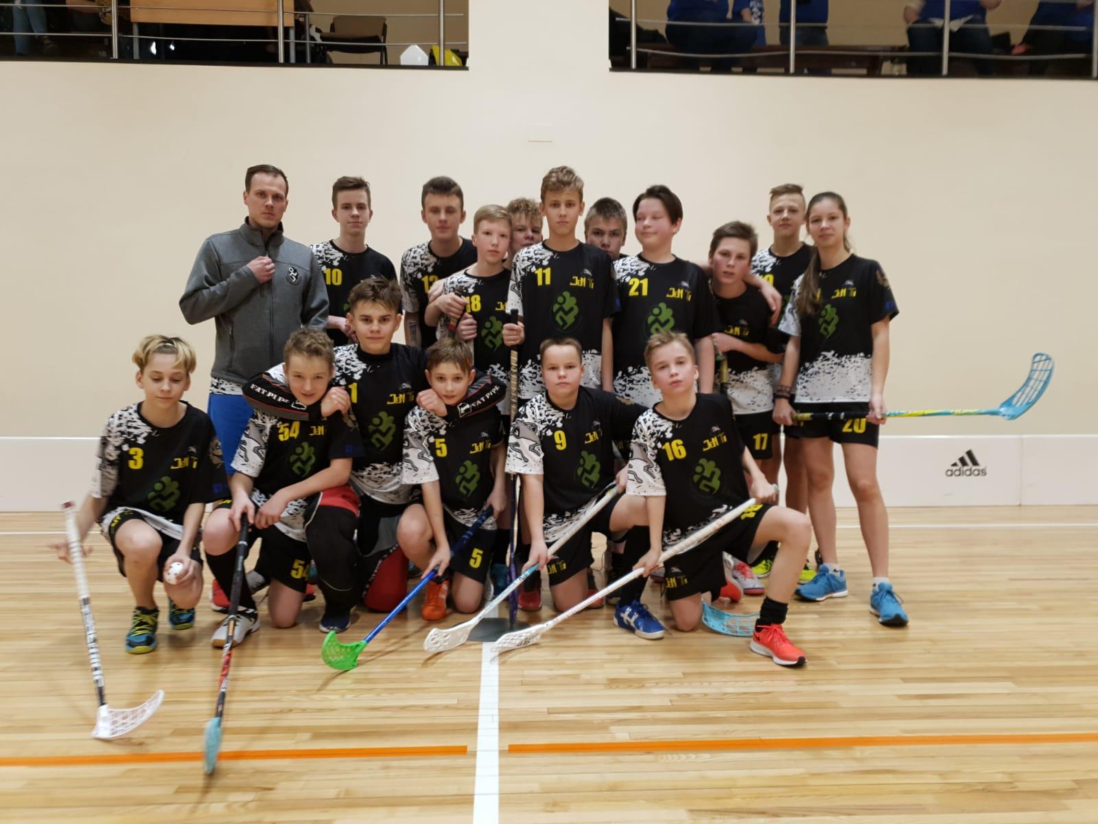 Turpinās Latvijas 26. čempionāts florbolā U13 grupai