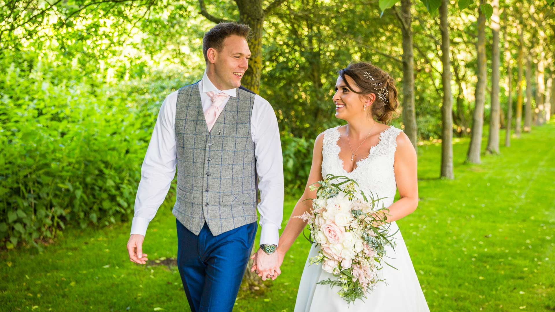 Wedding photograph by Martin Hemsley, wedding photographer