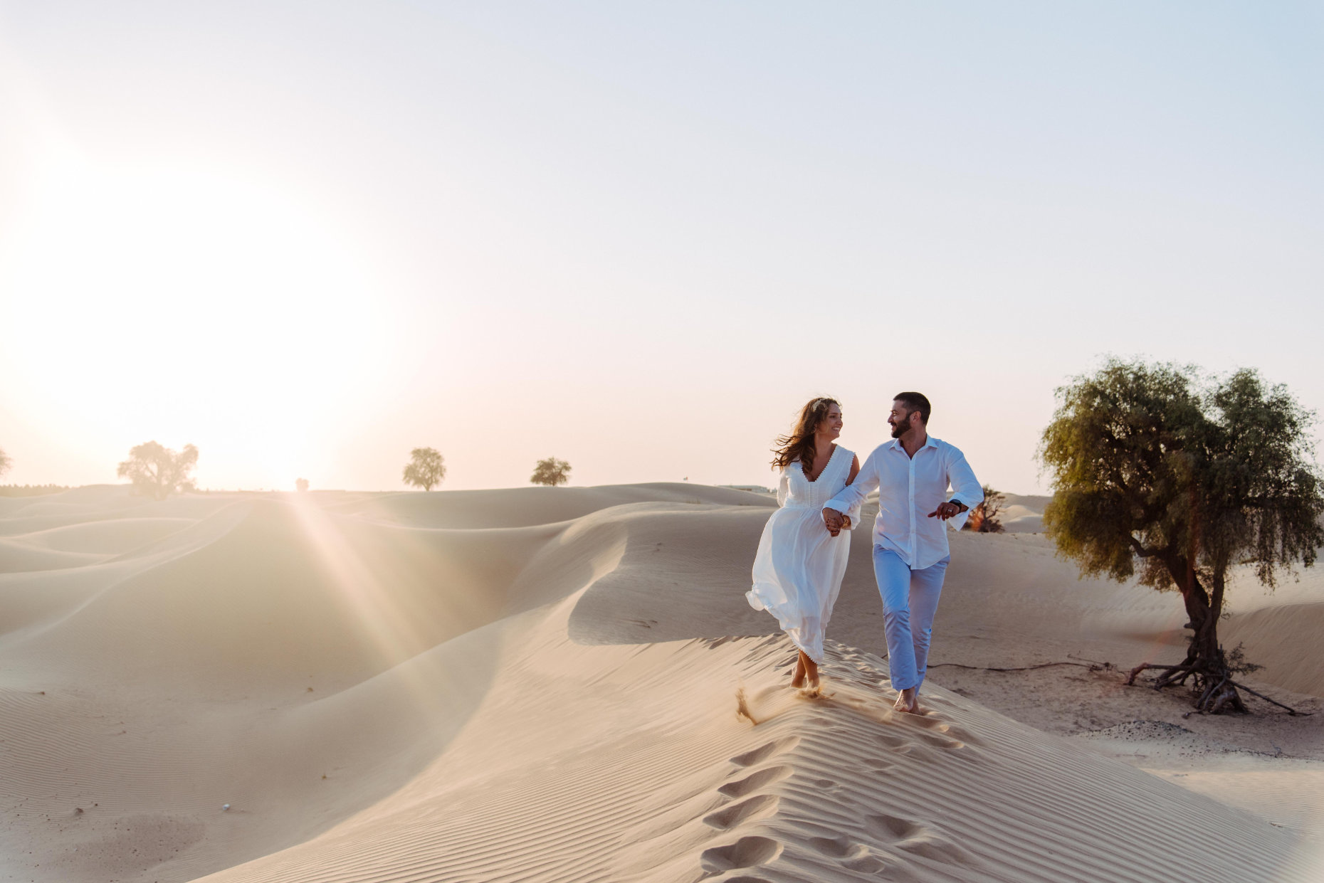 Hochzeitspaar in der Wüste