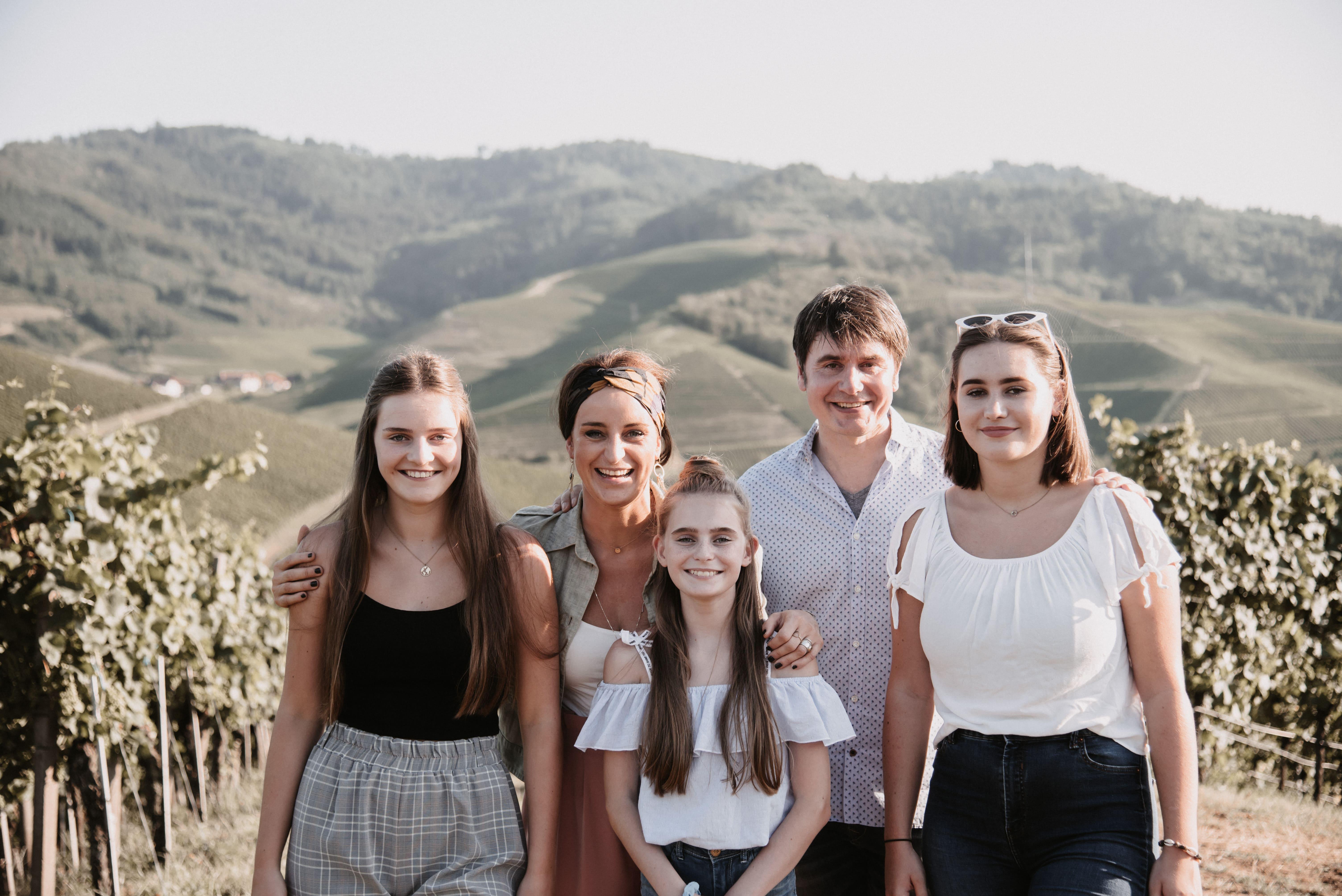 Familie in den Bergen
