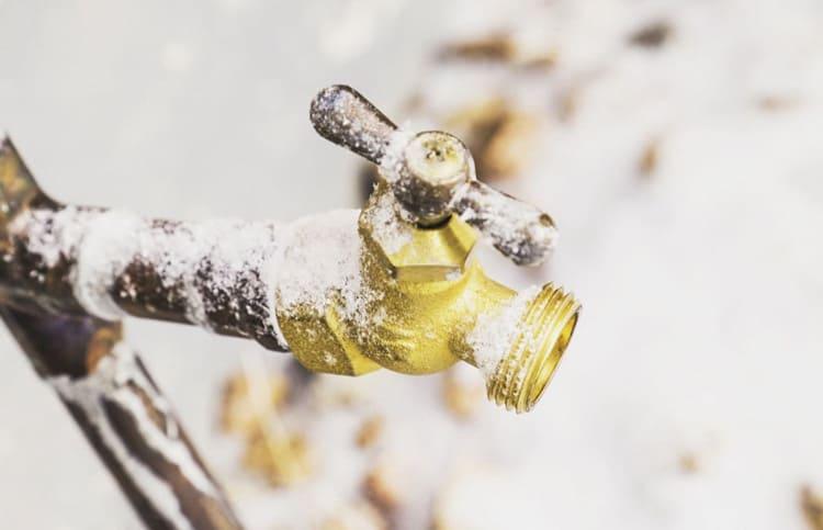 Haus winterfest machen und Leitungen entleeren