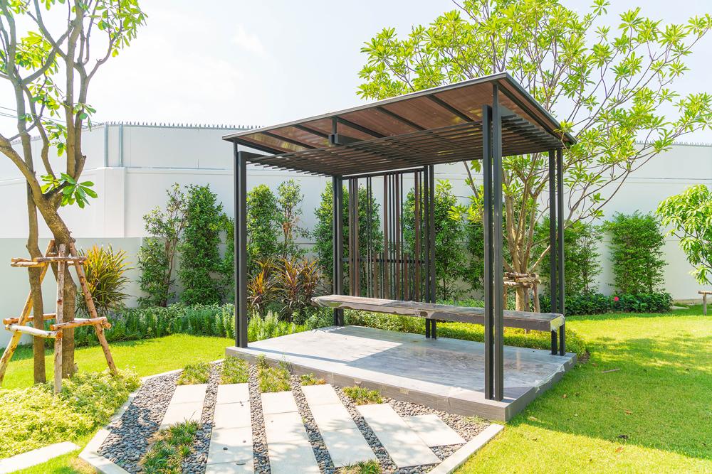 Pavillon spendet Sonnenschutz